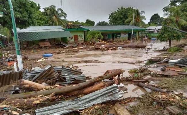 Korban Banjir Bandang NTT